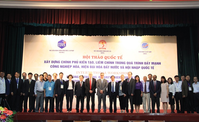 Các đại biểu dự Hội thảo
