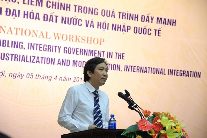 TS. Trần Anh Tuấn – Thứ trưởng Bộ Nội vụ phát biểu tại Hội thảo