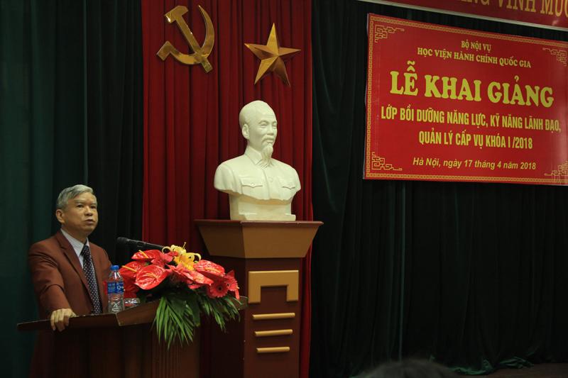 NGƯT. TS. Vũ Thanh Xuân Phó Giám đốc Học viện phát biểu khai giảng khóa học