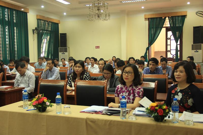 Các đại biểu và học viên tham dự khóa học