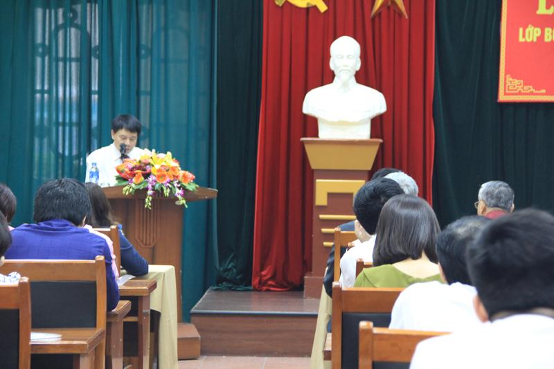 ThS. Tống Đăng Hưng công bố các quyết định của lớp bồi dưỡng