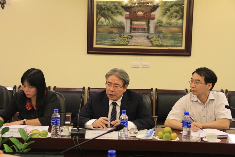TS. Đặng Xuân Hoan, Giám đốc Học viện phát biểu tại buổi làm việc