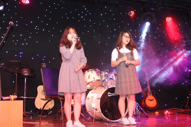 Các tiết mục âm nhạc nhiều cảm xúc tại đêm nhạc