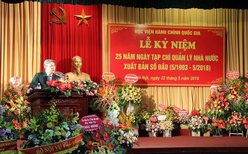 TS. Đặng Xuân Hoan – Bí thư Đảng ủy, Giám đốc Học viện phát biểu chúc mừng Tạp chí QLNN
