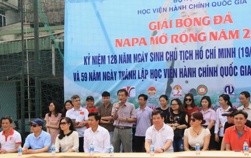Đồng chí Chu Xuân Khánh – Chủ tịch Công đoàn Học viện Hành chính Quốc gia phát biểu khai mạc giải đấu