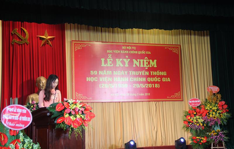 Đại diện sinh viên đang học tập tại Học viện phát biểu tại buổi Lễ