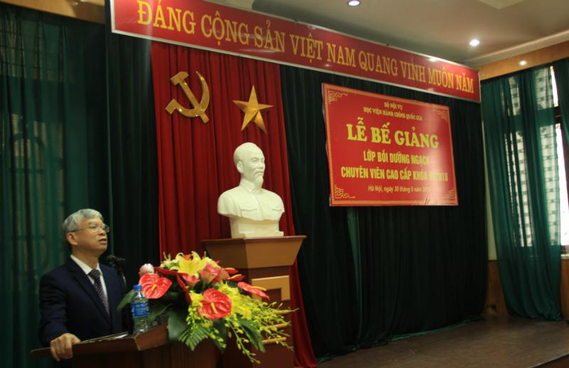 NGƯT.TS. Vũ Thanh Xuân - Phó Bí thư đảng ủy, Phó Giám đốc Học viện Hành chính Quốc gia phát biểu tại buổi Lễ