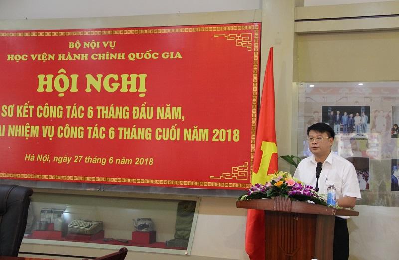Các đại biểu đóng góp ý kiến tại Hội nghị