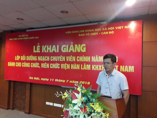 PGS.TS. Đặng Minh Đức, Phó Viện trưởng Viện Nghiên cứu Châu Âu Lớp trưởng đại diện lớp phát biểu