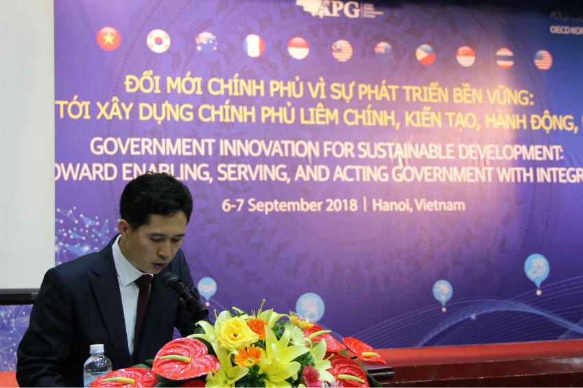 Ông Jong Tae Jun - Giám đốc Chương trình Quản trị nhà nước, Trung tâm chính sách công OECD Hàn Quốc phát biểu khai mạc Diễn đàn.