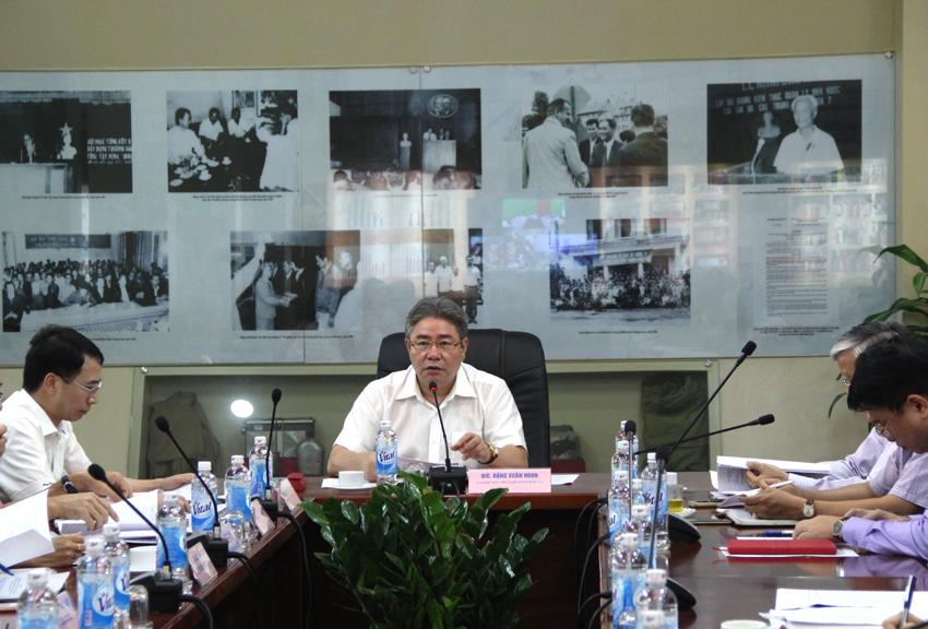 TS. Đặng Xuân Hoan - Giám đốc Học viện phát biểu ý kiến tại buổi giao ban