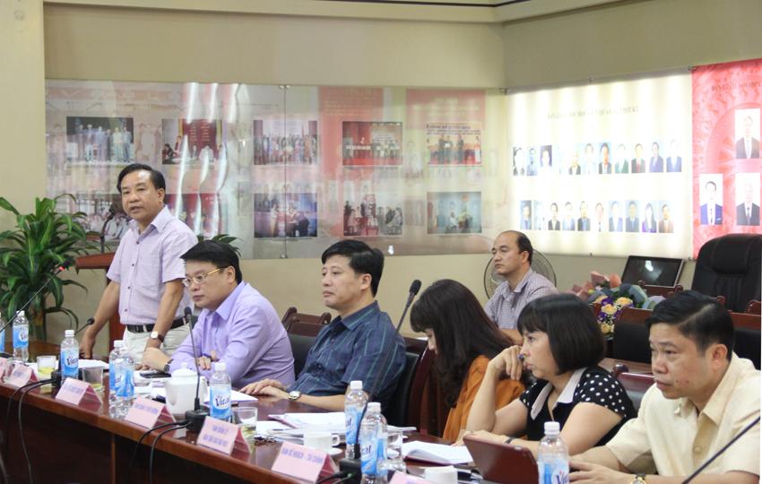 Phó giám đốc Nguyễn Đăng Quế phát biểu ý kiến tại buổi giao ban