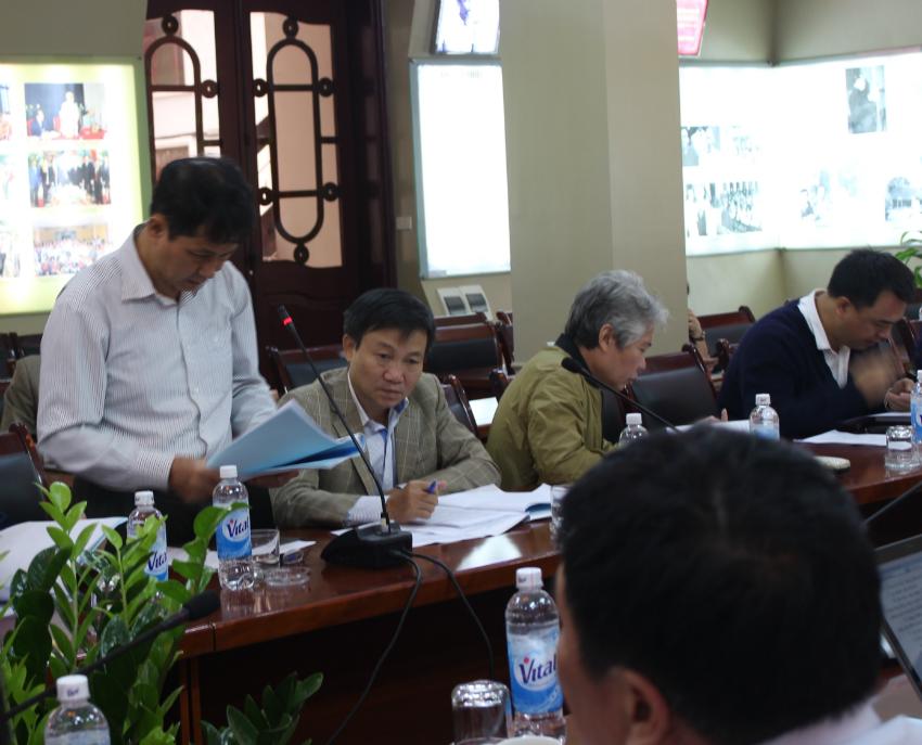 PGS.TS Trương Quốc Chính – Khoa NN-PL và Cơ sở lý luận tham luận góp ý