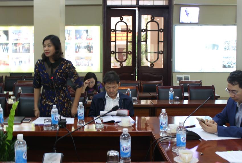 PGS.TS Nguyễn Thị Thu Vân – Trưởng khoa Văn bản và Công nghệ Hành chính tham luận