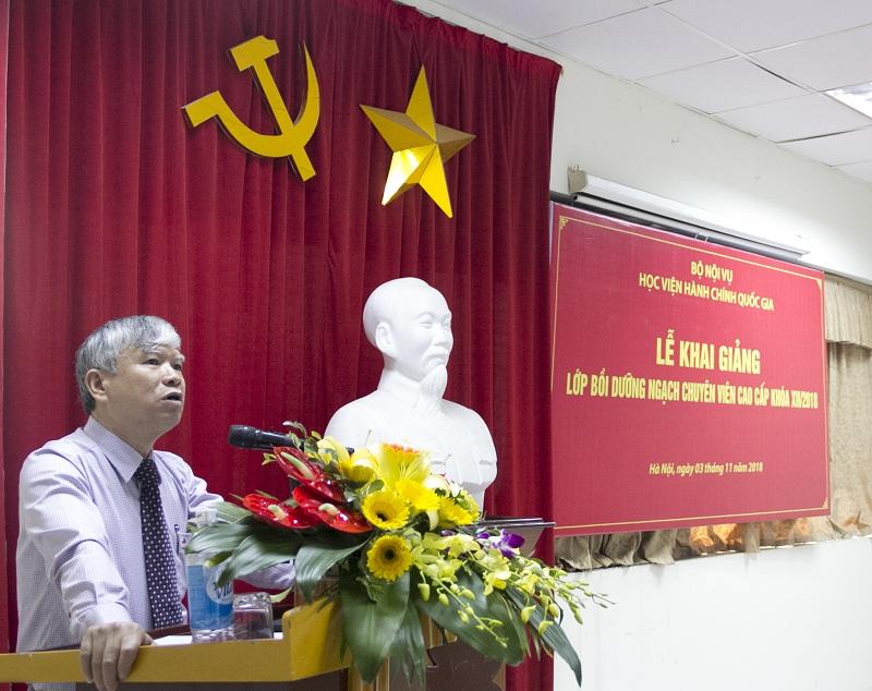 NGƯT.TS. Vũ Thanh Xuân - Phó Giám đốc Học viện phát biểu khai giảng lớp bồi dưỡng
