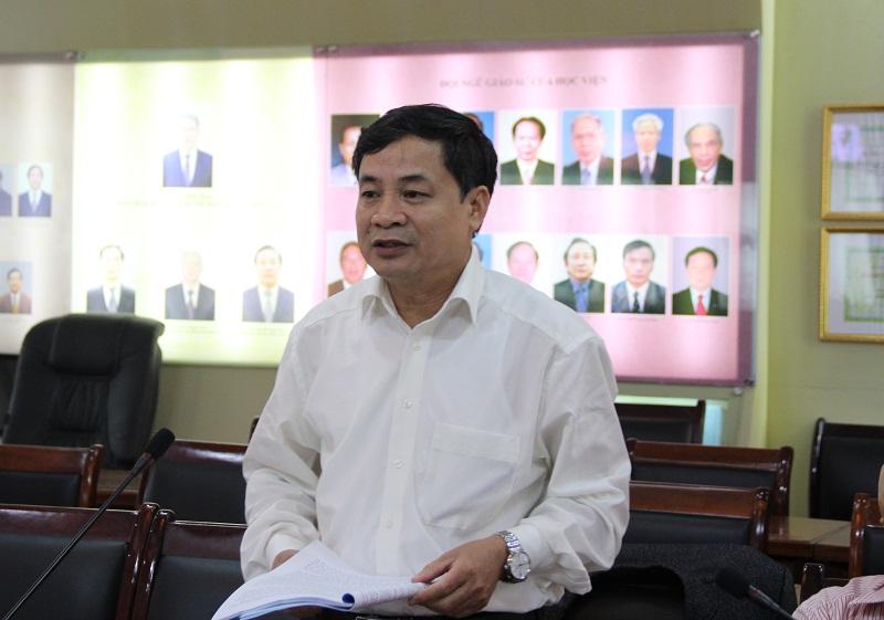 TS. Nguyễn Quang Vinh – Phó Tổng Biên tập Tạp chí QLNN trình bày tham luận tại Tọa đàm