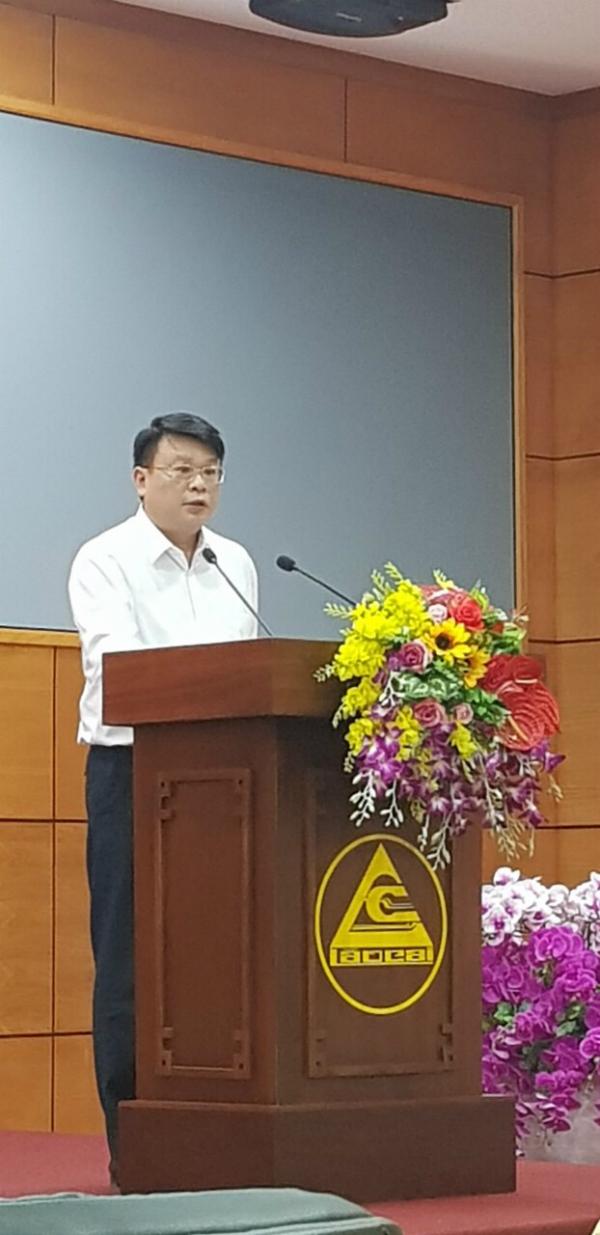 Đồng chí Bùi Huy Tùng công bố các quyết định
