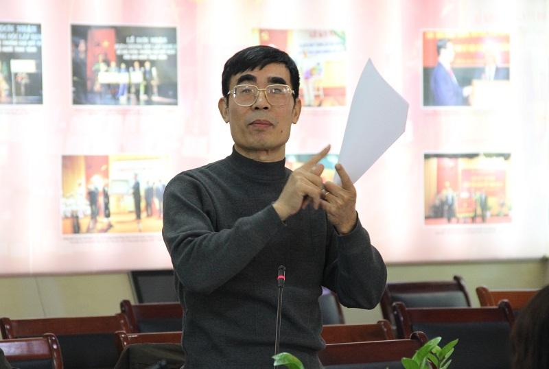 TS. Hoàng Sỹ Kim – Khoa QLNN về xã hội nêu ý kiến tại Hội thảo