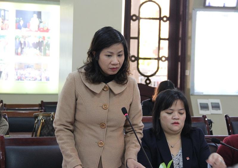 PGS.TS. Nguyễn Thị Thu Vân – Trưởng Khoa Văn bản và Công nghệ hành chính trao đổi ý kiến