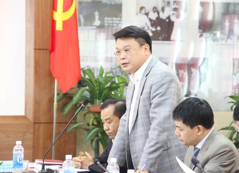 TS. Bùi Huy Tùng – Chánh Văn phòng kiêm phụ trách, điều hành Ban Quản lý bồi dưỡng Học viện phát biểu tại Hội nghị.
