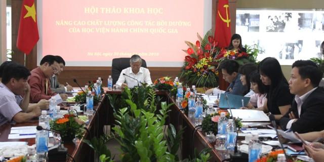 ThS. Lê Phương Thúy – Phó Trưởng ban Quản lý bồi dưỡng báo cáo thực trạng tổ chức quản lý hoạt động bồi dưỡng cán bộ, công chức, viên chức giai đoạn 2015-2018 của Học viện