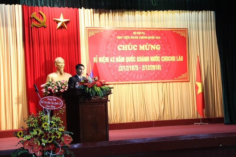 Đại diện học viên Lào phát biểu