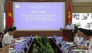 """TS. Đặng Xuân Hoan –Giám đốc Học viện phát biểu tại lớp tập huấn """"Tinh giản biên chế"""""""