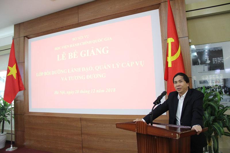 PGS.TS. Triệu Văn Cường - Thứ trưởng Bộ Nội vụ phát biểu bế giảng khóa bồi dưỡng