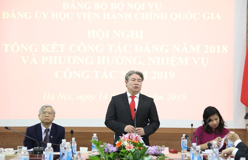 Đồng chí Đặng Xuân Hoan – Bí thư Đảng ủy Học viện phát biểu kết luận Hội nghị