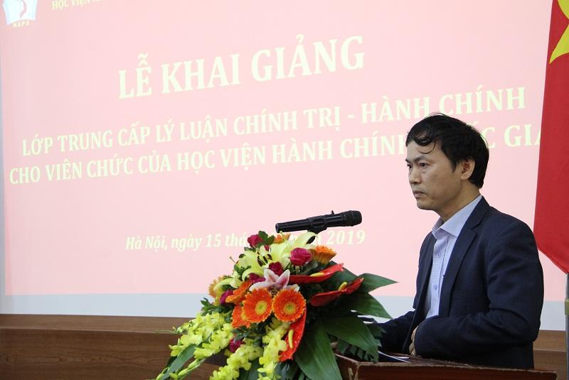 ThS. Hà Xuân Nhung – đại diện các học viên phát biểu tại Lễ khai giảng