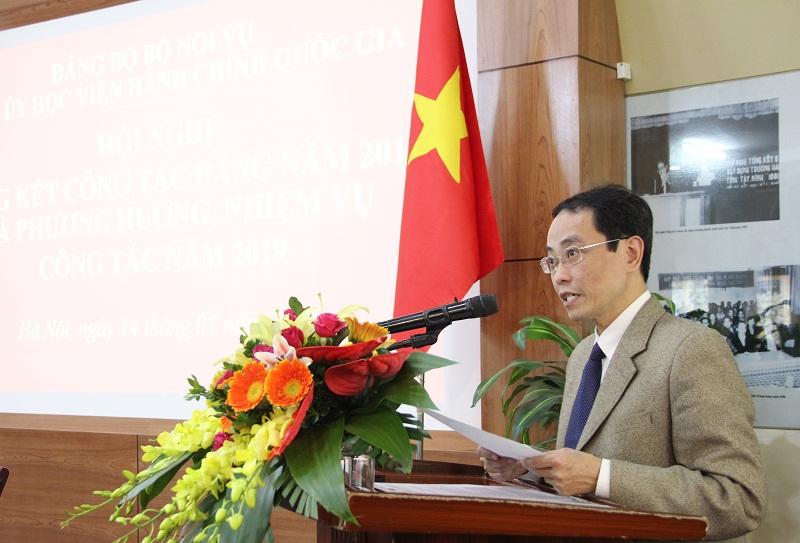 Đồng chí Nguyễn Minh Tuấn – Chánh Văn phòng Đảng ủy Học viện trình bày Báo cáo về công tác tài chính Đảng năm 2018