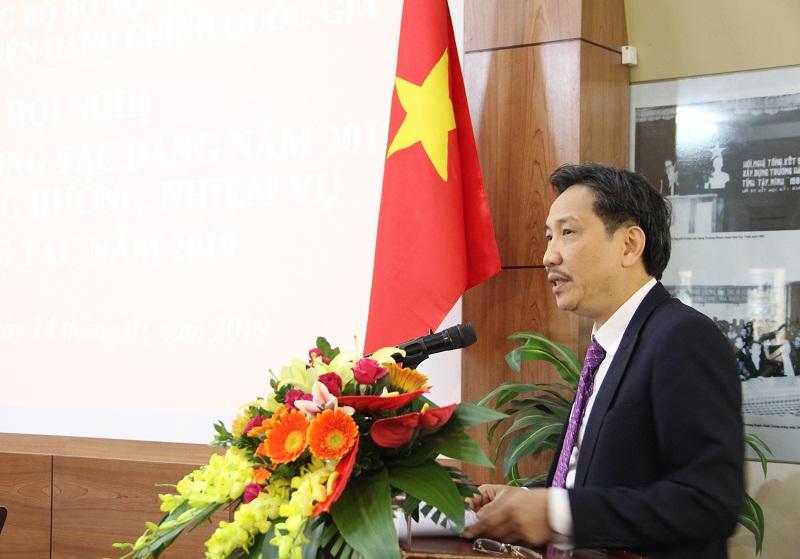 Đồng chí Trần Anh Tuấn - Ủy viên Ban Cán sự Đảng, Bí thư Đảng ủy, Thứ trưởng Bộ Nội vụ phát biểu chỉ đạo tại Hội nghị