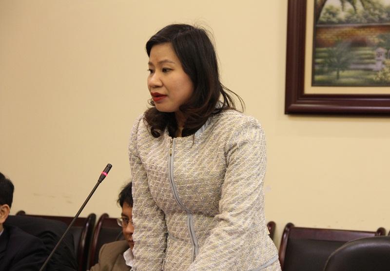 PGS.TS. Nguyễn Thị Thu Vân – Trưởng Khoa Văn bản và Công nghệ Hành chính trao đổi tại Hội nghị