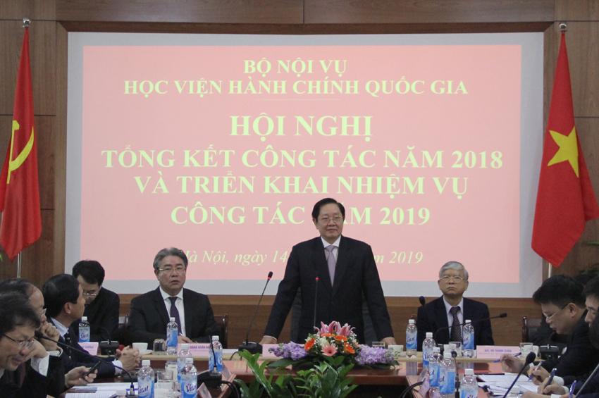 Đồng chí Lê Vĩnh Tân - Uỷ viên Ban chấp hành Trung ương Đảng, Bí thư Ban Cán sự Đảng Bộ, Bộ trưởng Bộ Nội vụ phát biểu chỉ đạo Hội nghị