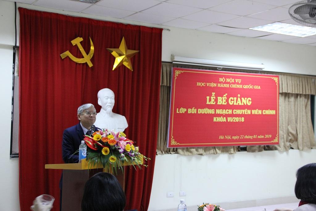 TS Vũ Thanh Xuân phát biểu bế giảng lớp bồi dưỡng ngạch chuyên viên chính khóa VI năm 2018