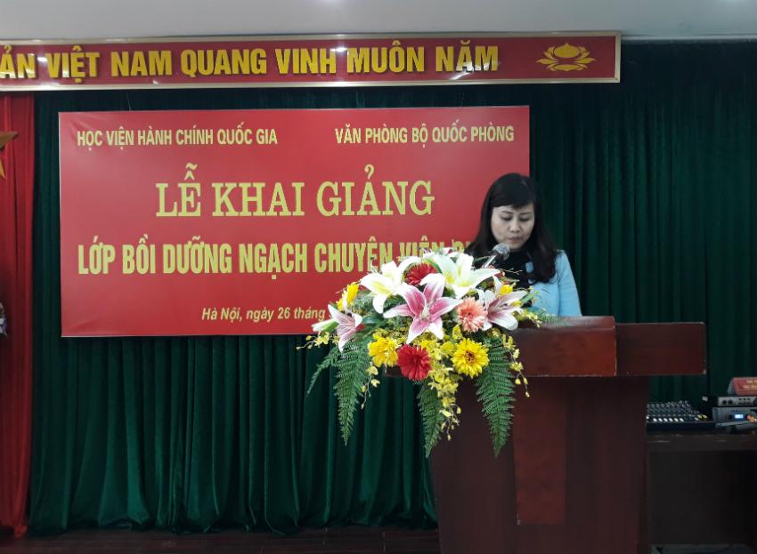 ThS. Lê Phương Thúy – Phó Trưởng Ban Quản lý bồi phát biểu khai giảng khóa học bồi dưỡng  ngạch chuyên viên chính