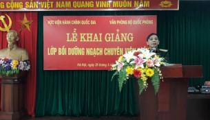 Đồng chí Thiếu tướng Nguyễn Xuân Nghị, Chánh Văn phòng Quân ủy Trung ương, Phó Văn phòng Bộ Quốc phòng phát biểu chỉ đạo khóa học