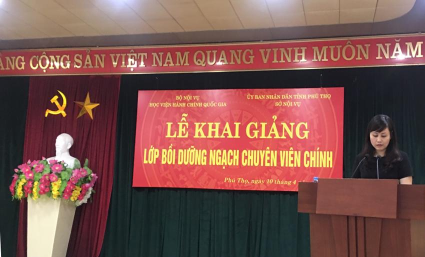 ThS. Lê Phương Thúy, Phó Trưởng Ban Quản lý bồi dưỡng phát biểu khai giảng khóa học