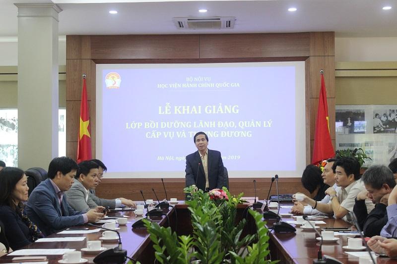 PGS.TS. Triệu Văn Cường - Thứ trưởng Bộ Nội vụ phát biểu khai giảng Lớp bồi dưỡng