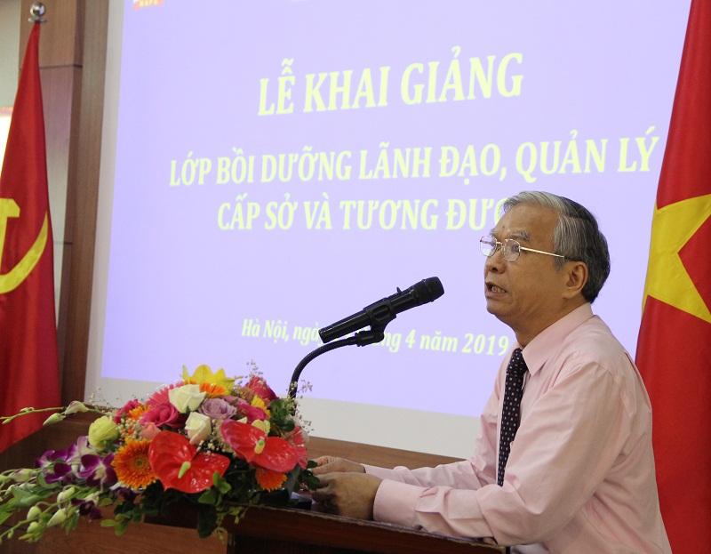 TS. Vũ Thanh Xuân – Phó Giám đốc Học viện phát biểu khai giảng Lớp bồi dưỡng