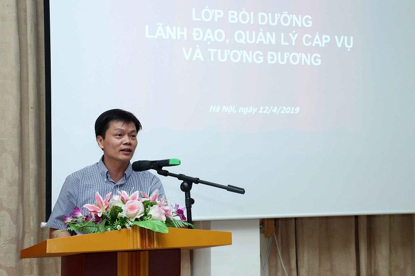 Đồng chí Nguyễn Thế Ngân - Vụ trưởng, Vụ Tổ chức cán bộ, Bộ Kế hoạch và Đầu tư phát biểu tại buổi lễ