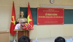 NGƯT.TS. Vũ Thanh Xuân - Phó Giám đốc Học viện phát biểu khai giảng lớp học