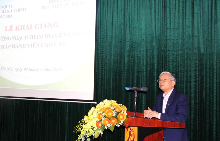 NGƯT.TS. Vũ Thanh Xuân – Phó Giám đốc Học viện HCQG phát biểu khai giảng khóa học