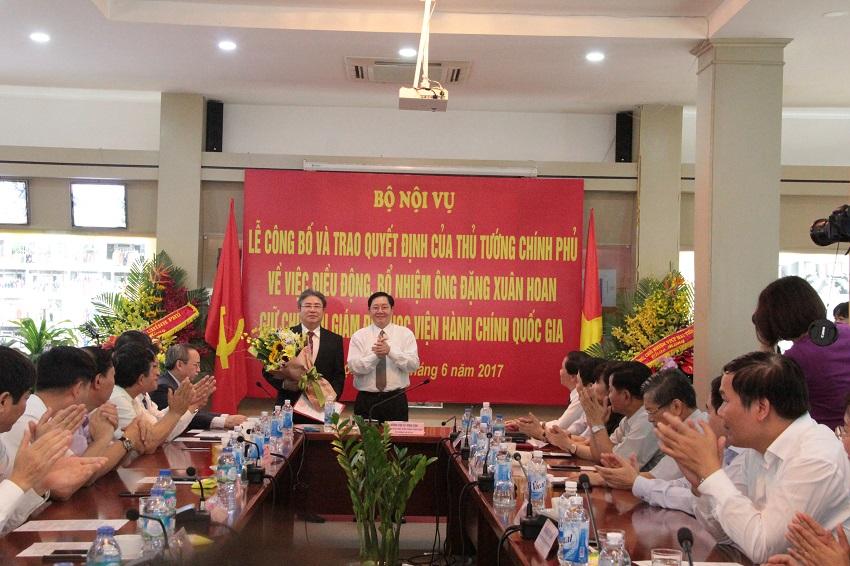 TS. Đặng Xuân Hoan, Ủy viên Thư ký Hội đồng Quốc gia Giáo dục và phát triển nhân lực nhiệm kỳ 2016 - 2021, giữ chức vụ Giám đốc Học viện Hành chính Quốc gia