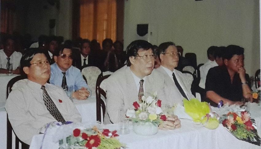 Đồng chí Phạm Gia Khiêm - Phó Thủ tướng Chính phủ dự Lễ Kỷ niệm 45 năm Ngày truyền thống Học viện Hành chính Quốc gia, năm 2004