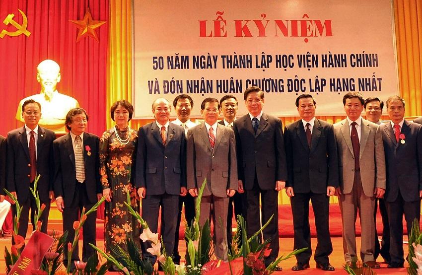 Đồng chí Nguyễn Minh Triết - Chủ tịch nước dự Lễ Kỷ niệm 50 năm ngày truyền thống Học viện Hành chính, năm 2009