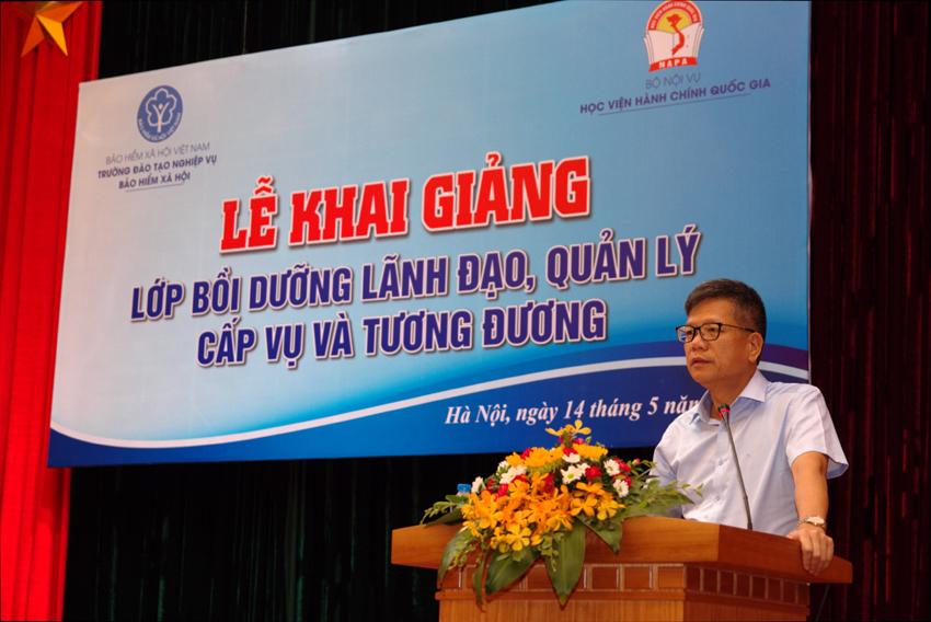 Đồng chí Trần Đình Liệu – Phó Tổng Giám đốc Bảo hiểm xã hội Việt Nam phát biểu chỉ đạo lớp học