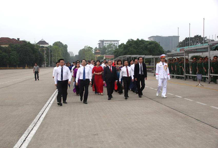 Tập thể cán bộ, viên chức, người lao động, học viên, sinh viên Học viện tổ chức Lễ báo công dâng Bác
