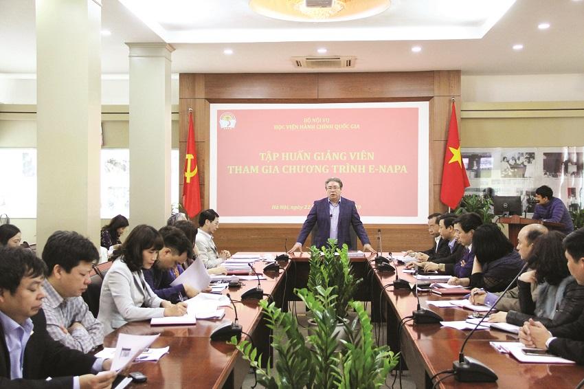 Đồng chí Đặng Xuân Hoan - Giám đốc Học viện phát biểu