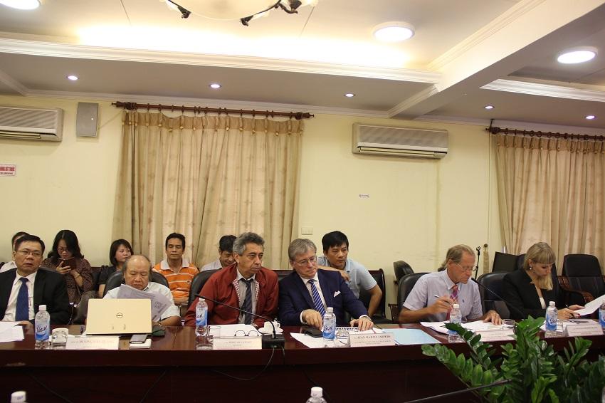 Các báo cáo viên quốc tế và trong nước tham gia Hội thảo